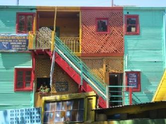 LA BOCA CAMINITO LAS FAMOSAS CASAS DE CHAPA CITY TOURS IN BUENOS AIRES SE LO MUESTRA City tours in Buenos Aires