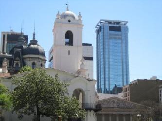 CITY TOURS IN BUENOS AIRES LA PLAZA DE MAYO Y LA ZONA DE LOS BANCOS ANTIGUA Y MODERNA A LA VEZ City tours in Buenos Aires