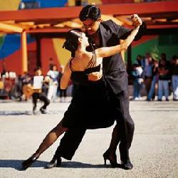 Visita a show de tango en Buenos Aires y tures de tango por la ciudad. Todos nuestros tures por Buenos Aires son individuales y para grupos cerrados.  City tours in Buenos Aires